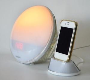 reveil philips lumineux iphone. Black Bedroom Furniture Sets. Home Design Ideas