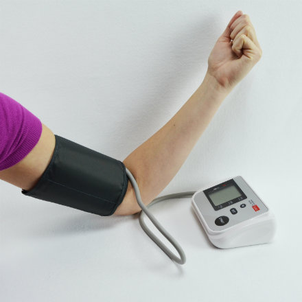 Upper arm blood pressure meters with basic functions