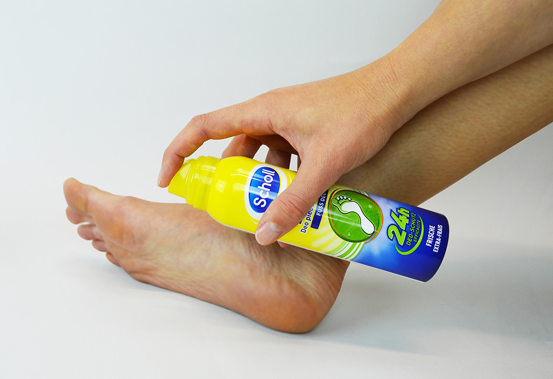 scholl_RB10044884-_fresh-step_application.jpg