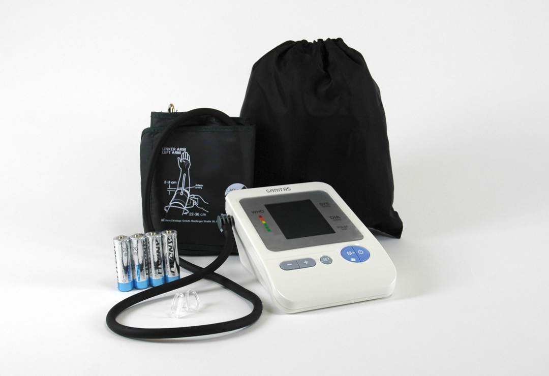 • Accurate blood pressure measurement on the upper arm
