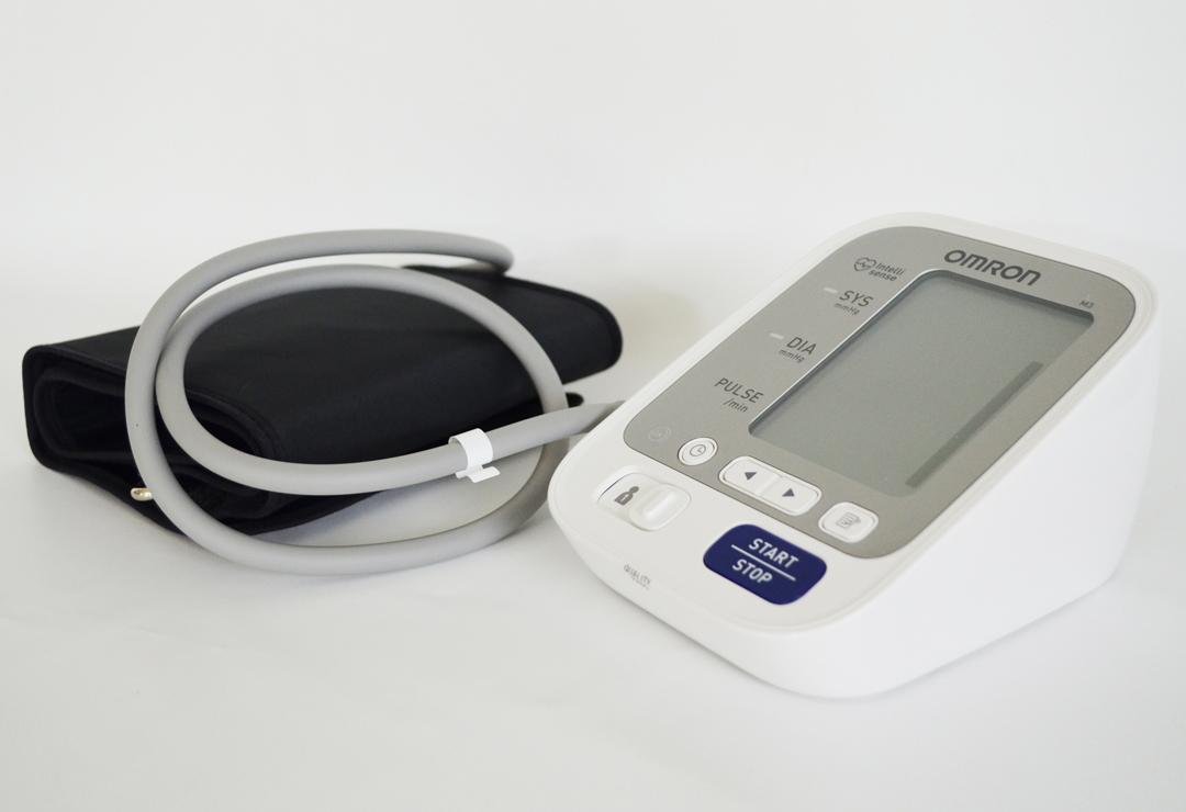 omron m2 compact tensiom tre bras chf 119 wellness. Black Bedroom Furniture Sets. Home Design Ideas