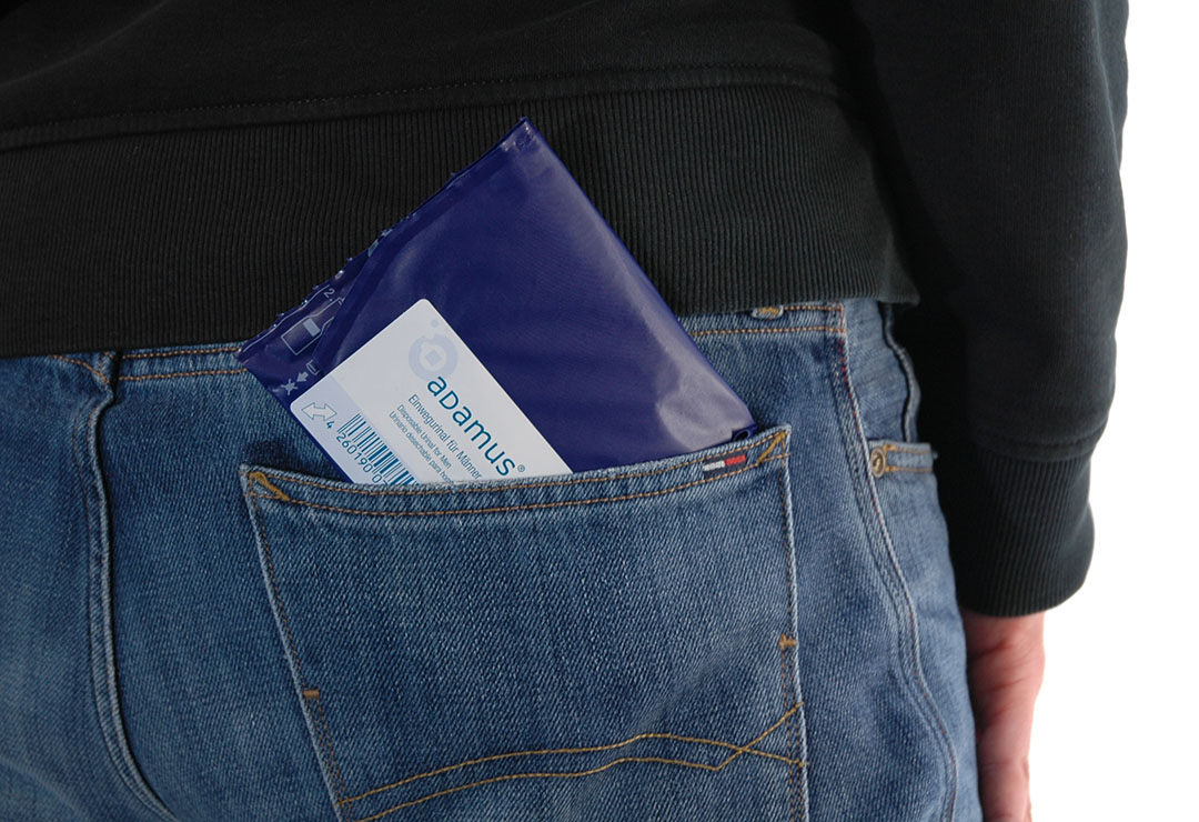 The disposable urinal is packed in a way that makes it easy to bring in the pockets of your jacket or trousers.
