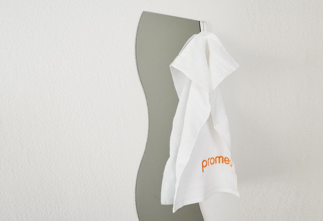 promed handtuch 30 x 50 cm chf 9 wellness products. Black Bedroom Furniture Sets. Home Design Ideas