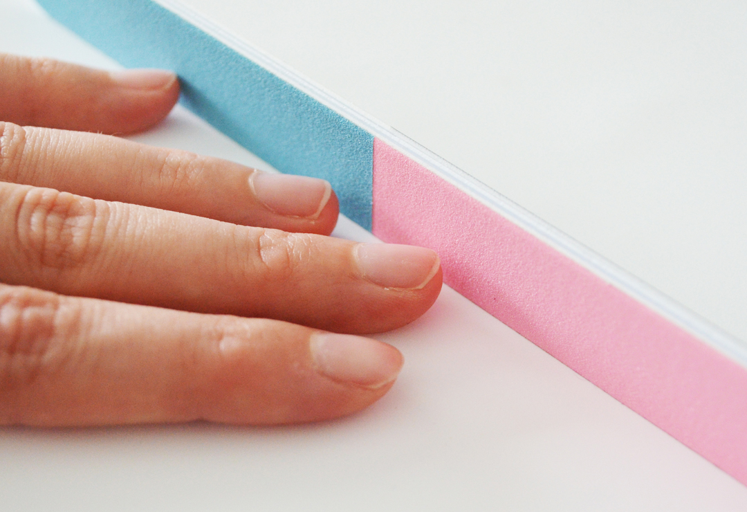 Polier-Nagelfeile, 4 Oberflächen, rosa/blau, weiss/grau (CHF 7 ...