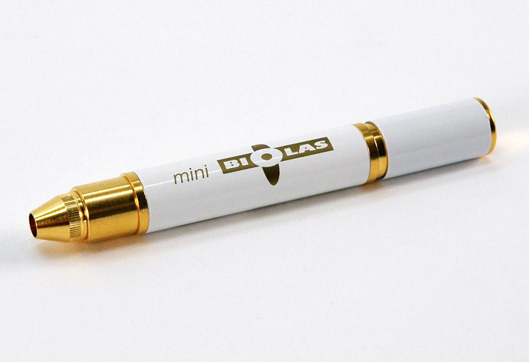 laser de poche minibiolas 9000 blanc pour la th rapie au laser doux chf 199 wellness. Black Bedroom Furniture Sets. Home Design Ideas