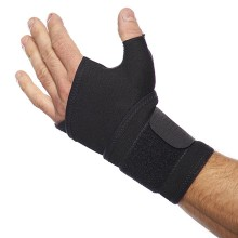 Helps and supports in case of injury in the area of the metacarpophalangeal joint and thumb-saddle-joint, in case of bruises, sprains, tendonitis, and arthritis