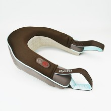 It adapts well and relaxes the neck with a Massage and Heat: the Homedics neck massager NMSQ-215A includes two practical handles.