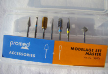 With the master set you are well equipped for modelling artificial nails.