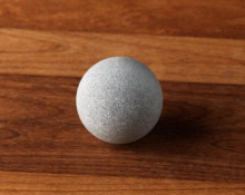 Massage Ball for the palm: Simply move it around on your hand by using your fingers. The massage with a warm stone is particularly nice.